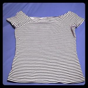 Off shoulders blouse